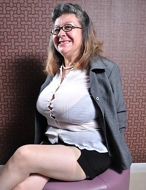 HQ Granny Porn Pictures